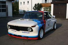 BMW 2002tii racing