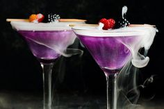 The Best Cocktail Can Set The Mood For Your Next Party Famous Cocktails, Fun Cocktails, Fun Drinks, Cocktail Recipes, Alcoholic Drinks, Lemonade Cocktail, Drinks Alcohol Recipes, Bartender, Rum