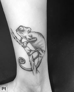 chameleon pointillism tattoo