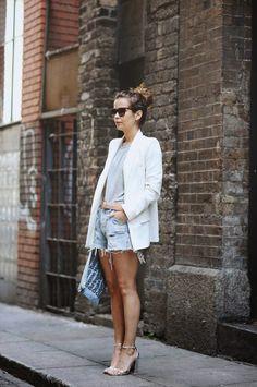 Looks com a básica e sempre fashion camiseta cinza mescla. | Hora de Diva