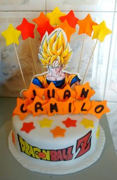 Vive una súper experiencia con nuestros ponqués Marinita y sorprende a las personas que más quieres como con esVivete ponqué de Dragon Ball Z un delicioso ponqué de vainilla con chips de chocolate y lo mejor muy personalizado! Dragon Ball Z, Birthday Cake, Desserts, Food, Chocolate Chips, Dragons, Food Cakes, People, Dragon Dall Z