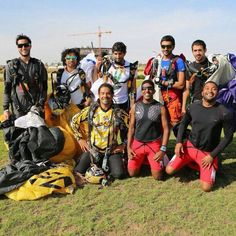 Nasser Al Neyadi, Hamdan MRM, Nasser HIK, Khaled HIK y Marat Leiras, Skydive Dubai (29/11/2012)