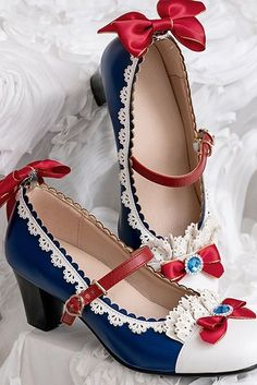 Snow White Coronation in Forest Mary Jane Middle-heels Shoes Pre-order ends August, 2019 Kawaii Fashion, Lolita Fashion, Cute Fashion, Fashion Shoes, Pastel Fashion, Pretty Shoes, Beautiful Shoes, Cute Shoes, Kawaii Shoes