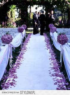 Violet as a leading color for wedding - Fiolet jako kol… na Stylowi.pl