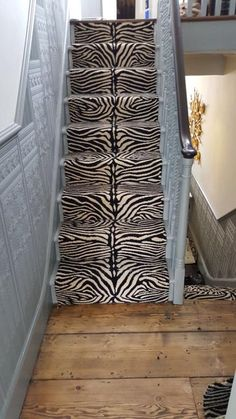 Stairs White Carpet Stairs Black