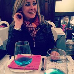 Michelle with the Azul Chardonnay Wine, White Meat, Perfect Match, Red Wine, Spain, Natural, Blue, Red Wines, Nature