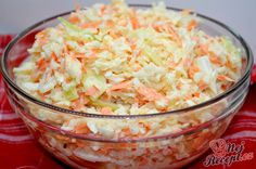 Super tasty white cabbage and carrot salad like from the restaurant Top-Rezepte.de - Super tasty white cabbage and carrot salad like from the restaurant - Grilling Recipes, Beef Recipes, Salad Recipes, Vegan Recipes, Snack Recipes, Cooking Recipes, Carrot Recipes, Feta, Carrot Salad