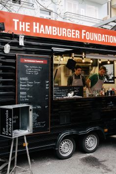 The Hamburger Foundation 37, rue Philippe-Plantamour, Pâquis, 1201 Genève http://www.thehamburgerfoundation.ch/