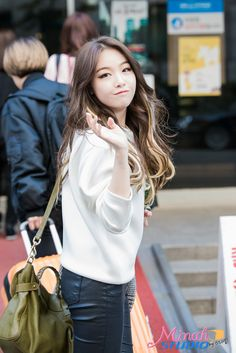 Girl's Day MinAh Kpop Girl Groups, Korean Girl Groups, Kpop Girls, Girls Day Minah, Fashion Beauty, Girl Fashion, Kpop Girl Bands, Girl Sday, Mean Girls