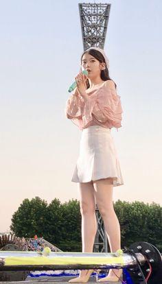 Iu Fashion, Korean Fashion, Korean Girl, Asian Girl, Pretty Asian, Korean Actresses, Korean Artist, Stage Outfits, Famous Women