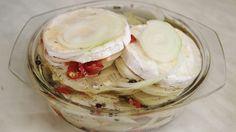 Udělejte si domácí nakládaný hermelín dle vlastní chuti. Icing, Desserts, Food, Tailgate Desserts, Deserts, Essen, Postres, Meals, Dessert