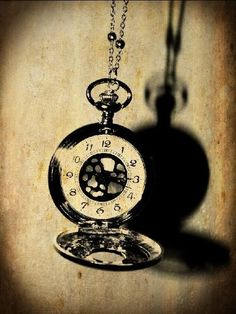 i'm a fan of old stopwatches. Old Watches, Pocket Watches, Vintage Watches, Old Photography, Black N White, Dear God, Unique Tattoos, Awesome Art, Old Pictures