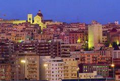 La sera la città si prepara per la movida Cagliaritana