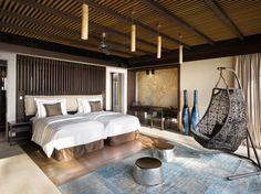Situé au nord de Malé, au cœur de la constellation d'îles qui composent l'atoll paradisiaque de Noonu, le nouveau concept hôtelier Velaa Private Island est le fruit de la philosophie de ses propriétaires, Radka Jiri Smejc.