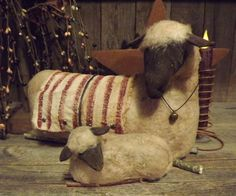 Primitive Sisters Hidden in the Attic Make Me a Memory: Mother Sheep and Lamb listed! Primitive Sheep, Primitive Antiques, Primitive Crafts, Country Primitive, Feed My Sheep, Christmas Love, Vintage Christmas, Christmas Decor, Christmas Ideas
