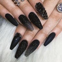 21 Beautiful Matte Nail Art Styles Need some inspiration for your next manicure? How about these matte nail art styles? Black Nails With Glitter, Black Coffin Nails, Matte Black Nails, Black Nail Art, Long Black Nails, Glitter Boots, Short Nails, Long Nails, Black Stiletto Nails