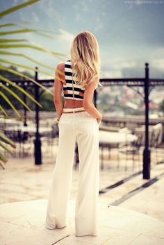 cut out crop top, stripes, white pants, summer, street style, stradivarius