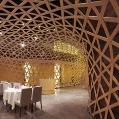 Tang Palace by FCJZ : Interweaving bamboo creates a cocoon-like feeling in this Chinese restaurant. Even cooler– on the second floor of the restaurant you can reserve private rooms completely encased in bamboo. Bamboo Architecture, Amazing Architecture, Interior Architecture, Interior And Exterior, Palace Interior, Interior Modern, Floor Design, Ceiling Design, House Design