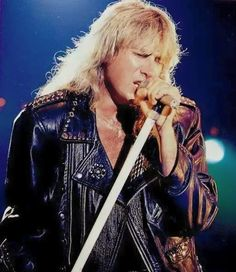 Over the years I have collected tons of Def Leppard stuff, such as pictures, videos, interviews, performances and some pretty rare stuff. I figured it was time to share all this with you awesome Lepp fans! 80s Hair Metal, Hair Metal Bands, Hair Bands, Great Bands, Cool Bands, Beatles, Rock And Roll Fantasy, Vivian Campbell, Brent Smith