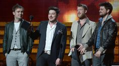 Mumford & Sons on stage after winning Album of the Year at the Annual Grammy Awards Folk Bands, Album Of The Year, The Black Keys, Frank Ocean, Justin Timberlake, Stage Outfits, New Artists, Mtv