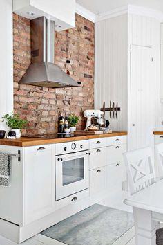 Wall brick kitchen stove 56 new ideas Brick Wall Kitchen, Kitchen Stove, New Kitchen, Fireplace Kitchen, Farmhouse Fireplace, Apartment Kitchen, Kitchen Interior, Brick Interior, Design Kitchen
