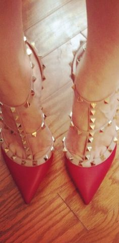Red rockstuds? Yes, please!