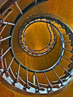 ˚Spiral staircase - France
