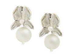 Aretes en plata 925 y perlas cultivadas.