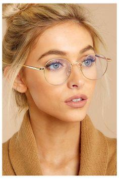 Ich sehe dich Gold Blue Light Glasses – eyeglasses – – Brille Make-up Glasses For Round Faces, Glasses Frames Trendy, Funky Glasses, Cute Glasses, Glasses Outfit, Women With Glasses, Glasses Trends, Lunette Style, Fashion Eye Glasses