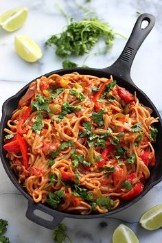 One-Pan Veggie Fajita Pasta - this healthy, flavorful, 20 minute meal is sure to make everyone happy!