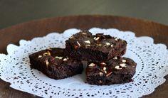 En veldig enkel oppskrift på en crunchy og saftige brownies