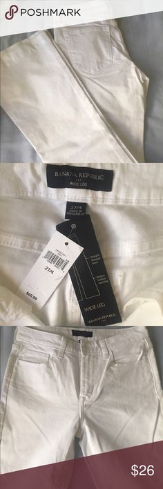 NWT Banana Republic Wide Leg white Jeans NWT Banana Republic Wide Leg white Jeans. Size 27 and fits true to size, just a bit big on me because I'm usually a 26. Would totally keep them if I could! More info is on the second picture with the tags Banana Republic Jeans Flare & Wide Leg