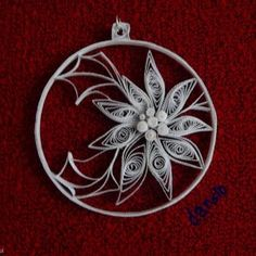 12 Awesome Paper Quilling Jewelry Designs To Start Today – Quilling Techniques Paper Quilling Flowers, Paper Quilling Jewelry, Origami And Quilling, Paper Quilling Designs, Quilling Paper Craft, Quilling 3d, Quilling Patterns, Quilling Christmas, Christmas Snowflakes