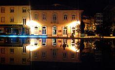 Boa noite :D Espelho no chafariz da rotunda da Ponte Velha de Arcos de na muito calma e pacífica noite de ontem