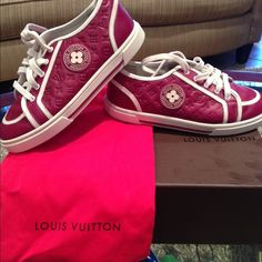 Girls maroon Louis Vuitton shoes Only worn 3 times.little sister couldn't fit them anymore Louis Vuitton Shoes Sneakers Louis Vuitton Shoes Sneakers, Little Sisters, Chuck Taylor Sneakers, Fashion Tips, Fashion Design, Fashion Trends, Times, Fit, Accessories