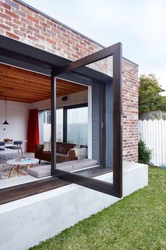 Red brick house modern - House and home design Architecture Design, Australian Architecture, Bungalow, Casa Patio, Interior Design Singapore, Photo Grid, Courtyard House, House Extensions, New Homes