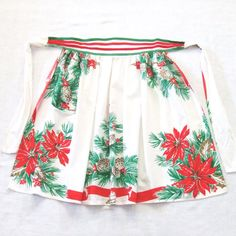 Vintage Christmas Apron Pine Cones Poinsettia by LinensandThings