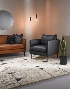 Kuusilinnan tyylikäs Ilma-sohva ja -tuoli Armchair, Living Room, Furniture, Home Decor, Sofa Chair, Single Sofa, Decoration Home, Room Decor, Home Living Room