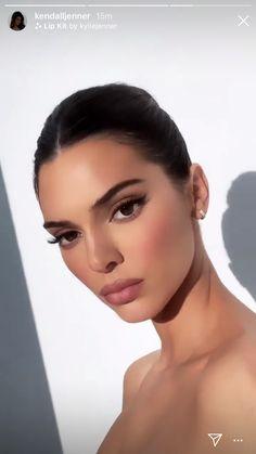 Kendall Jenner Make Up, Kendall Jenner Outfits, Kendall And Kylie, Kendall Jenner Makeup Tutorial, Makeup Lipstick, Hair Makeup, Christmas Makeup, Kardashian Jenner, Beauty Make Up