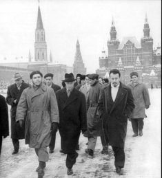 The Cuban photographer Alberto Corda took some photos of argentine doctor and Cuban revolutionary Ernesto Che Guevara in March of Bolivia, Che Quevara, Cuba History, Ernesto Che Guevara, Photo Report, Great Leaders, Travel Abroad, Trips Abroad, Vietnam War