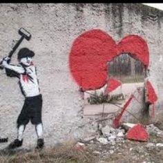 Banksy...  Veja mais em:  http://semioticas1.blogspot.com.br/2012/11/banksy-guerra-e-grafite.html