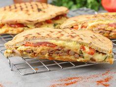 Sandwiches, Recipes, Food, Street, Greek Dishes, Easy Meals, Essen, Meals, Eten