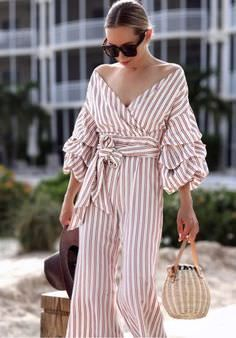 Latest Fashion Trends – This casual outfit is perfect for spring break or the Fall. 23 Magical Outfit Ideas You Will Want To Try – Latest Fashion Trends – This casual outfit is perfect for spring break or the Fall. Trendy Fashion, Spring Fashion, Girl Fashion, Fashion Looks, Fashion Outfits, Womens Fashion, Fashion Tips, Fashion Design, Fashion Trends