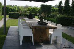 Wow, dit is een droomplaatje! Sitges, Zen Interiors, Pond Waterfall, Ponds Backyard, Outdoor Furniture Sets, Outdoor Decor, Go Outside, Garden Styles, Garden Plants