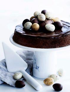 Mazarinkage med chokoladeglasur og påskeæg