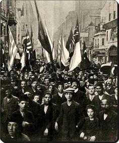 1908'de 2. Meşrutiyet kutlamaları sırasında #Beyoğlu #istanlook
