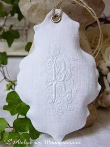 Monogramm Fill With Lavender to hang on your hanger in your Wardobe! Embroidery Monogram, White Embroidery, Diy Embroidery, Diy Broderie, Bordados E Cia, Lavender Sachets, Linens And Lace, Textiles, Lace Making