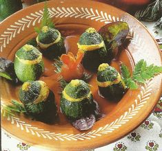 Recette - Courgettes rondes farcies au parmesan | 750g Avocado Toast, Parmesan, Sushi, Breakfast, Ethnic Recipes, Food, Zucchini, Yummy Recipes, Travel