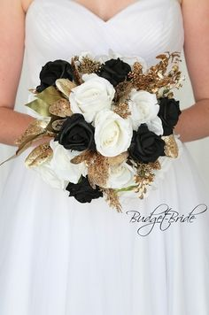 Wedding Flower Bouquets Gold and Black wedding flower brides bouquet with black and ivory roses, gold foliage, gold glitter accents perfect for gatsby theme wedding Gold Bouquet, Gold Wedding Bouquets, Black Bouquet, Gold Wedding Theme, Bridesmaid Bouquets, Gatsby Wedding, Prom Bouquet, Lace Wedding, Boquet