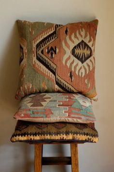 Diggin these pillows